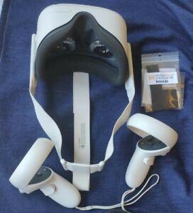 Oculus Quest 2 64GB + Extras