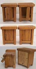 Alte Schränke Nachttischschränke aus Holz Puppenmöbel für die Puppenstube 2 Stk