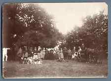 A la chasse, 1890  Vintage albumen print.  Tirage albuminé  12X17  Circa 1