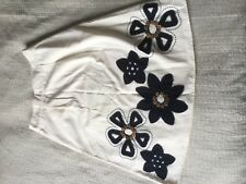 Lovely Boden skirt size 8! White navy blue floral appliqué buttons A line knee