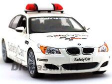 Coches, camiones y furgonetas de automodelismo y aeromodelismo blancos de escala 1:18 BMW