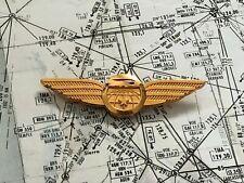 Broche PIN aviation Wings crew COMPAGNIE British Airways / Air Liberté DOREE