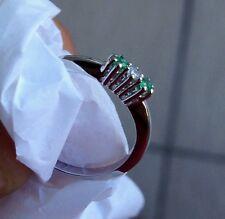 anello oro bianco 18 kt  con diamante e smeraldi naturali -  trilogy