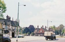 PHOTO  BUCKINGHAMSHIRE  BEACONSFIELD 1962 VIEW WESTWARD ON A40 AT THE CROSSROADS
