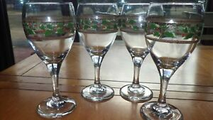 Holly Water Goblets Glasses All purpose stems Christmas design 4 12 oz stems