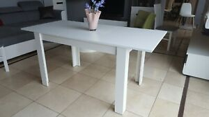 White extending dining table, modern, solid, high quality, perfect size 120cm!