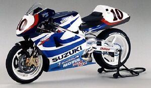 Tamiya 14081 1/12 Scale Model Motorcycle Kit Suzuki RGV-500 Gamma XR89 MotoGP'99