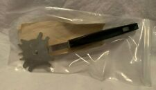 The Pampered Chef BBQ Grill Scraper Cleaning Tool Utensil #4405