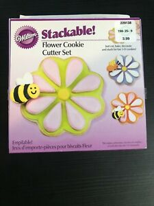 2007 Wilton Stackable! Flower Cookie Cutter Set of 3 New in Box NOS