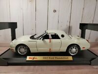 Maisto 2002 Ford Thunderbird Special Edition White 1:18 Scale Diecast Model Car