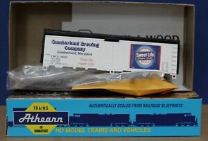 Show Me Athearn HO 40' Reefer Panther Curly's Light Beer Kit Built upgraded nice