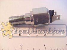 Contacteur de Feu Stop Peugeot D4A 403 404 >M1968 J7 sauf disques double circuit