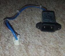 """Entrada de alimentación de dos puntas de TV Sony Bravia 40"""" KDL-40W5710"""