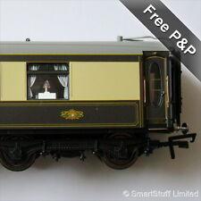 Hornby R4427 Pullman 3rd Class Parlour Coach - Car No: 66 - OO Gauge - NEW
