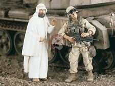 Verlinden 1/35 US Infantry and Cleric in Iraq War (2 Figures) [Resin Model] 2224