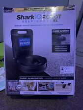 Shark R101Ae Iq Robot Vacuum with Bagless Self-Empty Base - Black