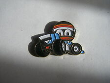 pins BD automobile F1 caricature casque benetton JJ lehto