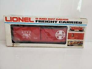 Vintage Lionel Trains 6-9784 Santa Fe Box Car Red 1977 USA