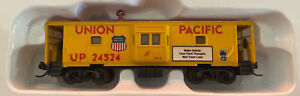 N Scale Bay Window Caboose Walthers Union Pacific UP #24524 MTL Couplers