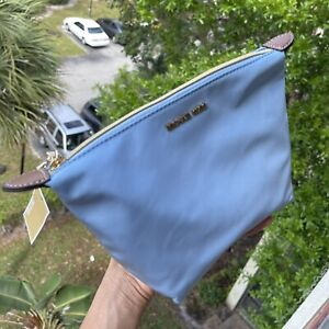 NWT Michael Kors Ladys Travel Medium Luggage Kit Pouch Cosmetic  Bag LT Sky BLUE