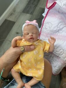 Ooak Reborn newborn baby Girl  reborn baby Mini           Art doll