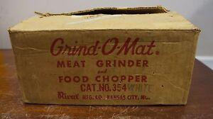 Vintage Grind o mat Meat grinder & food chopper #354 white wide base bottom disc