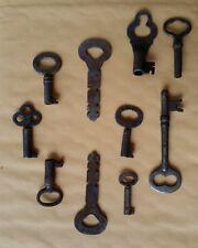 10 old,vintage,antique keys K5
