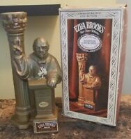 VINTAGE 1969 EZRA BROOKS WINSTON CHURCHILL COMMEMORATIVE DECANTER WITH BOX