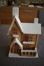 Décoration de Noël - Maison en bois avec neige artificielle