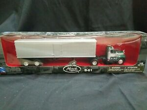 NewRay B-61 Mack Tractor and Trailer 1:43 Scale Die Cast Brand New Sealed