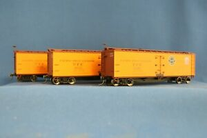 HO SCALE ACCURAIL #8065 PACIFIC FRUIT EXPRESS 3-CAR SET - ASSEMBLED - USED