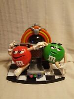DISTRIBUTEUR BONBONS  M&MS  JUKEBOX rock and roll Mr Rouge Mme Verte M and M'S