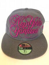 New Era Cap New York Yankees size 7 1/2 - VINTAGE, VERY RARE & UNIQUE, NEW