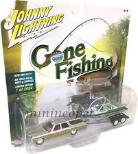 JOHNNY LIGHTNING GONE FISHING JLBT002 1973 CHEVROLET CAPRICE w BOAT 1/64 SILVER