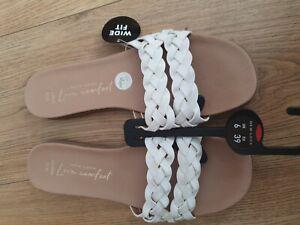 New Look Ladies white flat  Sandals Uk Size 6
