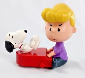 Schroeder And Snoopy 2015 Peanuts Movie McDonalds Toy