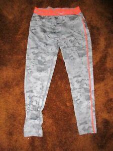 Under Armour  men's size XL gray camo print with orange trim compression legging