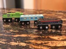 Maison Joseph Battat, Wooden Magnetic Train, 1 Engine 2 Cars - 2014