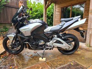 Suzuki GSX1300 B-King - Year 2011 - 4250 Miles - Standard, Pristine Condition