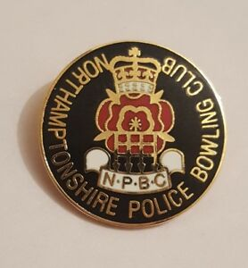 Northampton shire Police Bowling Club Bowls Rare Collectors Enamel pin Badge #6b