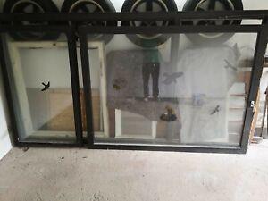 Fenster, Panoramafenster mit zwei Flügeln aus Holz