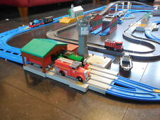 tomy trackmaster thomas the tank engine train set with 5 engines