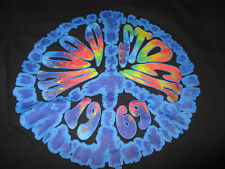 """1969 Retro WOODSTOCK """"Three Days of Peace Music & Love"""" PEACE SIGN (MED) T-Shirt"""