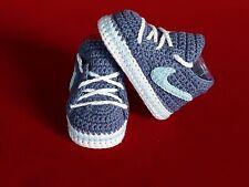 Babyschuhe / Turnschuhe gehäkelt ( Handarbeit ) Jeansblau, Hell blau,Weiss !!!