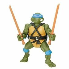 Teenage Mutant Ninja Turtles Classic Collection Leonardo Action Figure