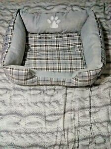 Stylish Cosy Soft & warm Dog Bed Washable Natural grey Checked