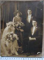 Fotografia anni '20 - sposi con testimoni