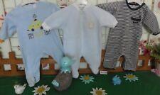 vêtements occasion garçon 3 mois,2 grenouillères velours,sur pyjamas