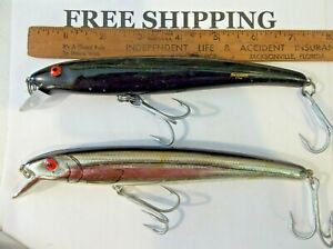 LOT OF 2 Bomber Long A 17A Striper Lure TACKLE BOX FIND FISHING LURE