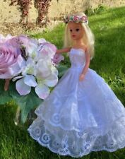 More details for vintage pedigree gorgeous sindy doll & accessories